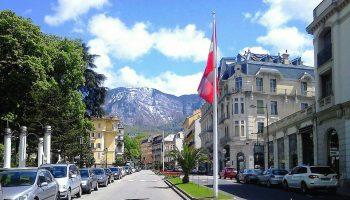 Aix-les-Bains-Travel-Guide-Savoy-France